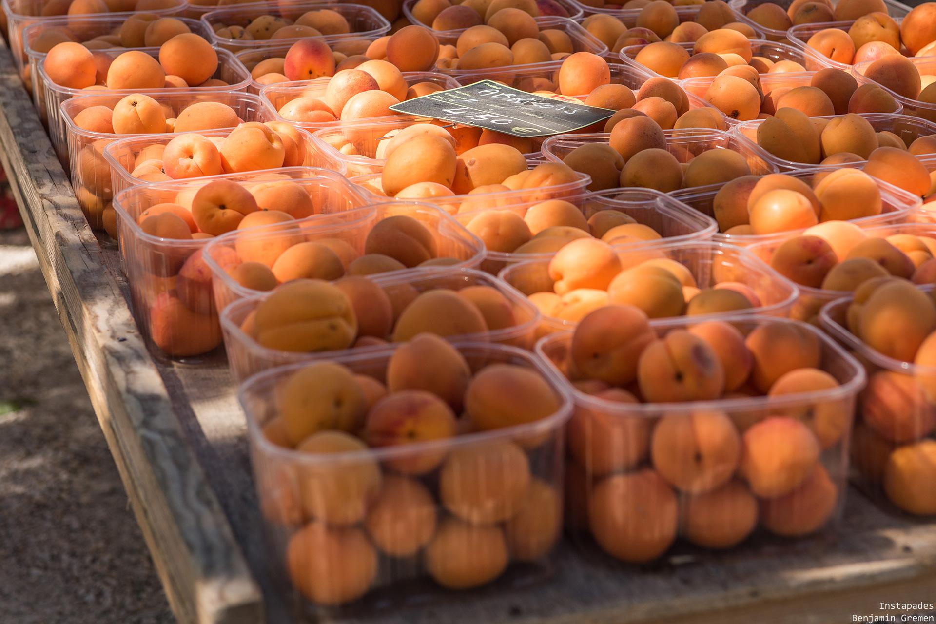 coustellet-marche-abricot